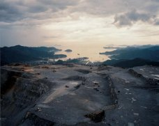 Naoya Hatakeyama »Lime Hills (Quarry Series)«, 1986-91